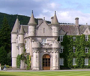 Small castle style house plans for Small houses that look like castles