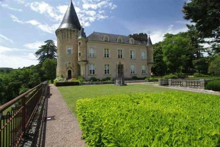 Château for sale in Aquitaine, Dordogne, France - For sale at 3,900,000 Euros