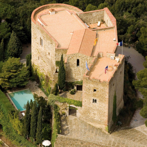 Buy a Castle: Castles and Chateaux For Sale