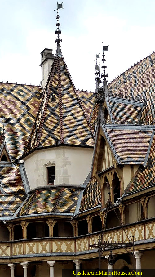 The Hospices de Beaune or Hôtel-Dieu de Beaune, Beaune, Burgundy, France. - www.castlesandmanorhouses.com