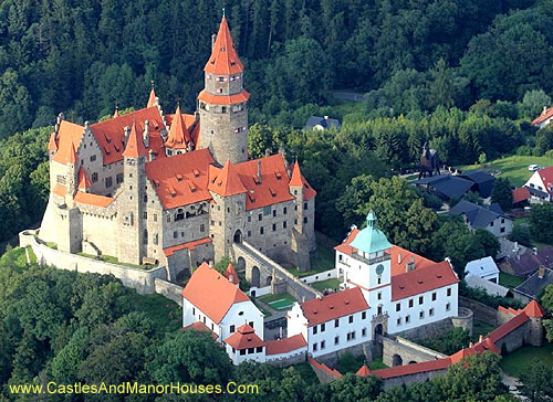 Bouzov Castle, located between the village of Hvozdek and the town of Bouzov, west of Litovel, Moravia, Czech Republic.  - www.castlesandmanorhouses.com