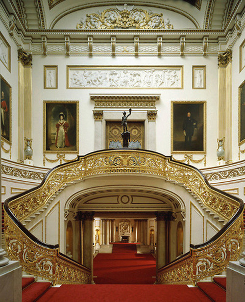 Grand Staircase, Buckingham Palace, London, England - www.castlesandmanorhouses.com