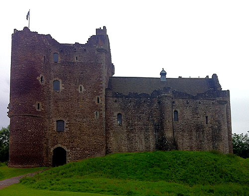 Doune Castle, Doune, Stirling district, central Scotland. - www.castlesandmanorhouses.com