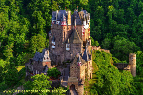 Burg Eltz, located above the Moselle River between Koblenz and Trier, Germany. - www.castlesandmanorhouses.com