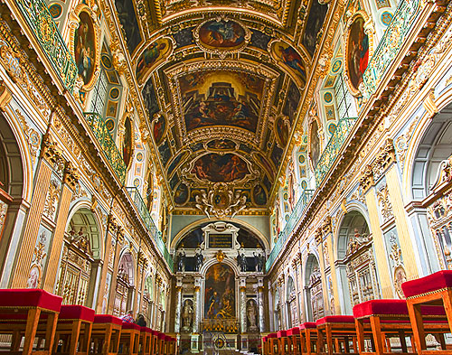 Trinity Chapel, Palace of Fontainebleau, 55 kilometres from the centre of Paris, France - www.castlesandmanorhouses.com