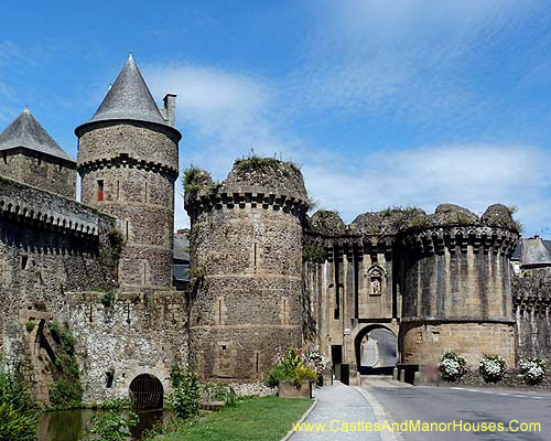 photographs of castles in france french ch teaux and. Black Bedroom Furniture Sets. Home Design Ideas