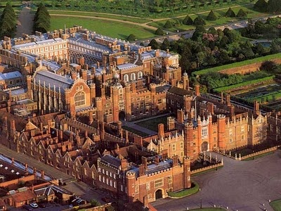 Hampton Court Palace, Richmond upon Thames, Greater London - www.castlesandmanorhouses.com