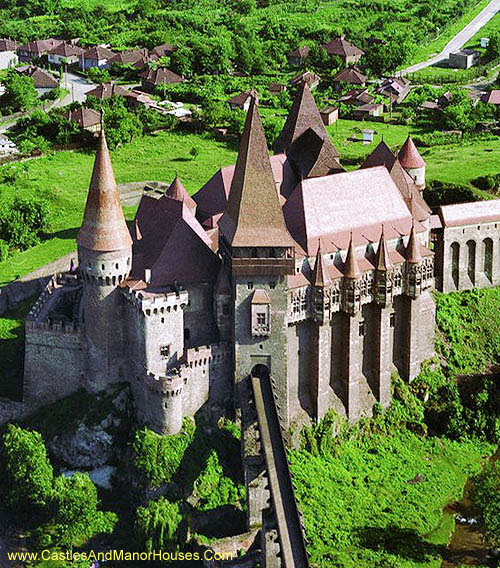 Corvin Castle, also known as Corvins' Castle, Hunyad Castle or Hunedoara Castle, Hunedoara, Transylvania, Romania - www.castlesandmanorhouses.com