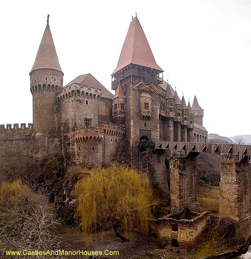 Corvin Castle, also known as Corvins' Castle, Hunyad Castle or Hunedoara Castle - www.castlesandmanorhouses.com