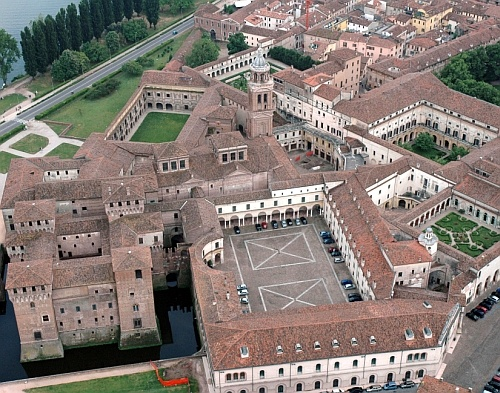 The Palazzo Ducale di Mantova (Ducal palace, Mantua) Lombardy, northern Italy - www.castlesandmanorhouses.com