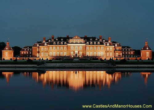 Schloss Nordkirchen, Nordkirchen, Coesfeld administrative district, North Rhine Westphalia, Germany. - www.castlesandmanorhouses.com