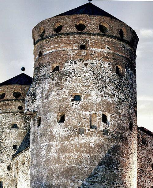 Olavinlinna (St. Olaf's Castle), Savonlinna, Finland. - www.castlesandmanorhouses.com