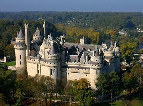 The Château de Pierrefonds, Pierrefonds, Oise département, Picardy, France. - www.castlesandmanorhouses.com