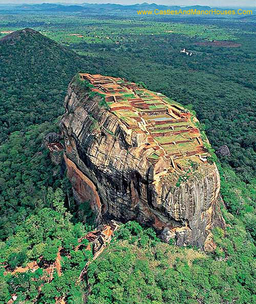 Sigiriya, near the town of Dambulla, central Matale District, Central Province, Sri Lanka. - www.castlesandmanorhouses.com