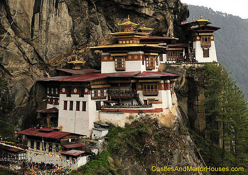 Paro Taktsang, located in the cliffside of the upper Paro valley, Bhutan - www.castlesandmanorhouses.com