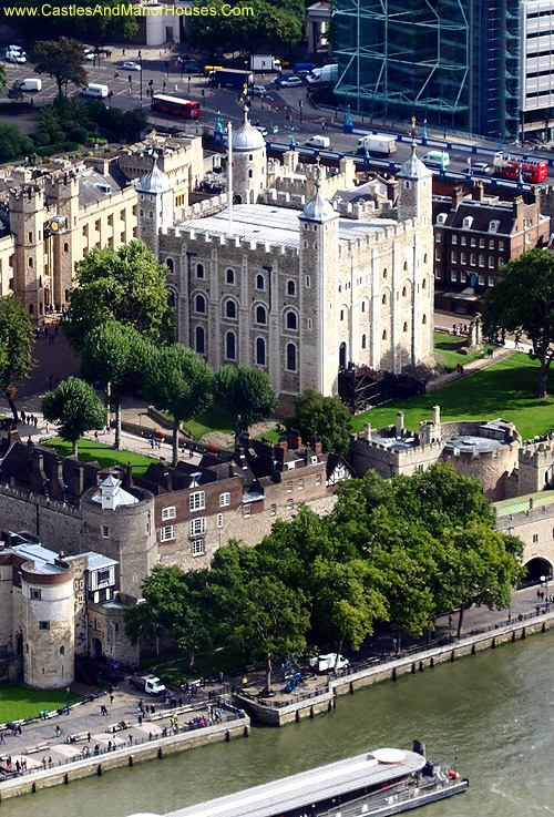 The White Tower, Tower of London, Borough of Tower Hamlets, London, England - www.castlesandmanorhouses.com