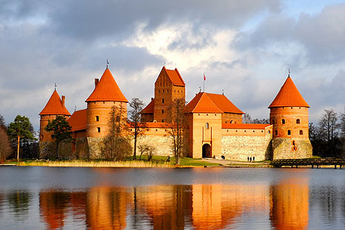Trakai Island Castle, in Trakai, Lithuania on an island in Lake Galve, Lithuania - www.castlesandmanorhouses.com