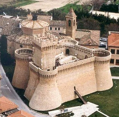 photographs of italian castles and manor houses