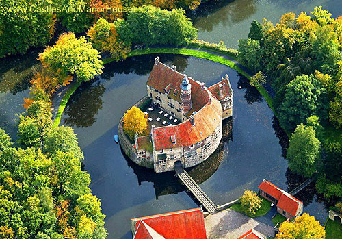 Burg Vischering (Vischering Castle), Lüdinghausen, North Rhine-Westfalia, Germany. - www.castlesandmanorhouses.com