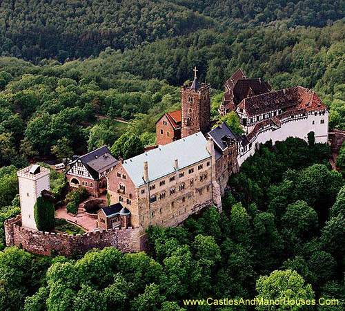 Wartburg overlooking the town of Eisenach, in the state of Thuringia, Germany - www.castlesandmanorhouses.com