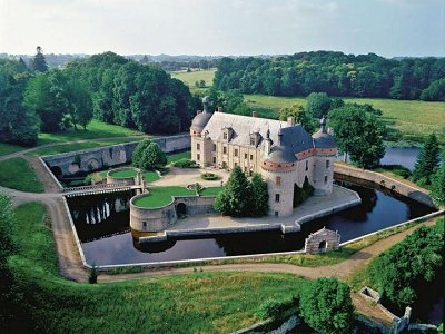 Cheap Mansions For Sale In Usa buy a castle: castles and chateaux for sale